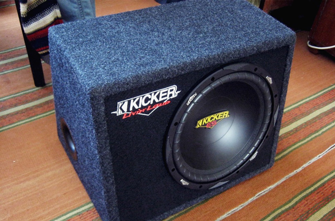 Kicker VES12.4